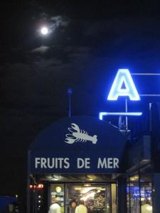 Fischhalle bei Nacht