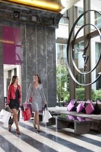 paris-lobby-shopping-3